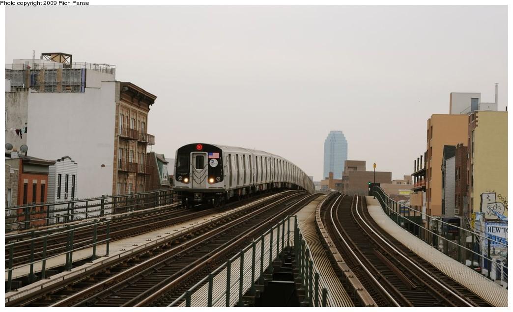 (157k, 1044x636)<br><b>Country:</b> United States<br><b>City:</b> New York<br><b>System:</b> New York City Transit<br><b>Line:</b> BMT Astoria Line<br><b>Location:</b> Astoria Boulevard/Hoyt Avenue <br><b>Route:</b> N<br><b>Car:</b> R-160B (Kawasaki, 2005-2008)   <br><b>Photo by:</b> Richard Panse<br><b>Date:</b> 3/16/2009<br><b>Viewed (this week/total):</b> 0 / 1583