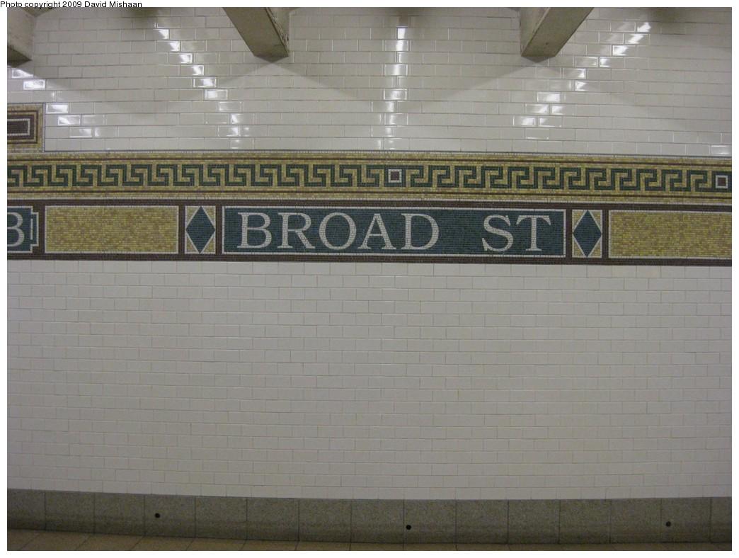 (177k, 1044x788)<br><b>Country:</b> United States<br><b>City:</b> New York<br><b>System:</b> New York City Transit<br><b>Line:</b> BMT Nassau Street/Jamaica Line<br><b>Location:</b> Broad Street <br><b>Photo by:</b> David M. <br><b>Date:</b> 2/19/2009<br><b>Notes:</b> Mosaic tile.<br><b>Viewed (this week/total):</b> 0 / 1130