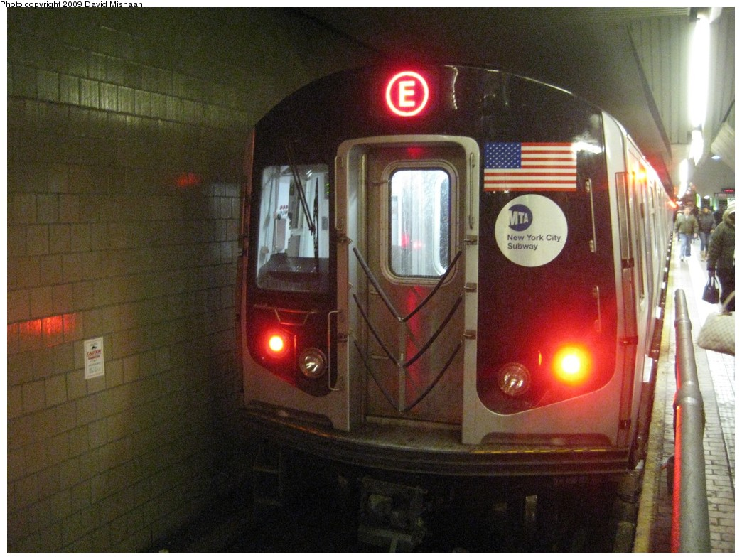 (220k, 1044x788)<br><b>Country:</b> United States<br><b>City:</b> New York<br><b>System:</b> New York City Transit<br><b>Line:</b> IND Queens Boulevard Line<br><b>Location:</b> Jamaica Center/Parsons-Archer <br><b>Route:</b> E<br><b>Car:</b> R-160A (Option 1) (Alstom, 2008-2009, 5 car sets)  9238 <br><b>Photo by:</b> David M. <br><b>Date:</b> 2/19/2009<br><b>Viewed (this week/total):</b> 0 / 1446