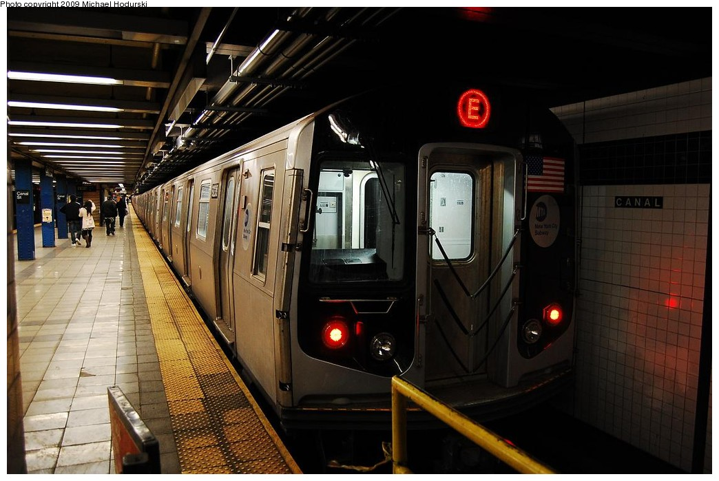 (216k, 1044x699)<br><b>Country:</b> United States<br><b>City:</b> New York<br><b>System:</b> New York City Transit<br><b>Line:</b> IND 8th Avenue Line<br><b>Location:</b> Canal Street-Holland Tunnel <br><b>Route:</b> E<br><b>Car:</b> R-160A (Option 1) (Alstom, 2008-2009, 5 car sets)  9238 <br><b>Photo by:</b> Michael Hodurski<br><b>Date:</b> 3/22/2008<br><b>Viewed (this week/total):</b> 0 / 1307