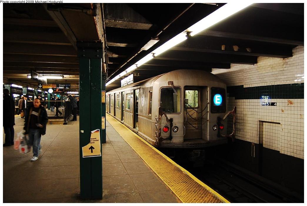 (224k, 1044x699)<br><b>Country:</b> United States<br><b>City:</b> New York<br><b>System:</b> New York City Transit<br><b>Line:</b> IND 8th Avenue Line<br><b>Location:</b> West 4th Street/Washington Square <br><b>Route:</b> E<br><b>Car:</b> R-40M (St. Louis, 1969)  4464 <br><b>Photo by:</b> Michael Hodurski<br><b>Date:</b> 3/22/2008<br><b>Viewed (this week/total):</b> 2 / 1330