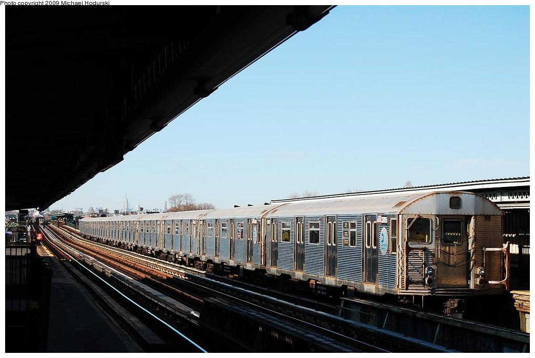 (192k, 1044x699)<br><b>Country:</b> United States<br><b>City:</b> New York<br><b>System:</b> New York City Transit<br><b>Line:</b> BMT Culver Line<br><b>Location:</b> Bay Parkway (22nd Avenue) <br><b>Route:</b> F<br><b>Car:</b> R-32 (Budd, 1964)  3705 <br><b>Photo by:</b> Michael Hodurski<br><b>Date:</b> 3/22/2008<br><b>Viewed (this week/total):</b> 0 / 1044