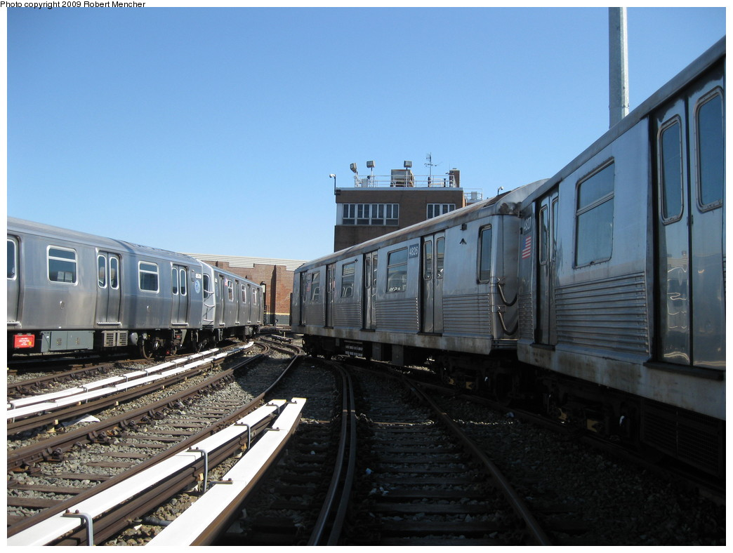 (199k, 1044x788)<br><b>Country:</b> United States<br><b>City:</b> New York<br><b>System:</b> New York City Transit<br><b>Location:</b> East New York Yard/Shops<br><b>Car:</b> R-42 (St. Louis, 1969-1970)  4826 <br><b>Photo by:</b> Robert Mencher<br><b>Date:</b> 3/23/2009<br><b>Viewed (this week/total):</b> 0 / 745