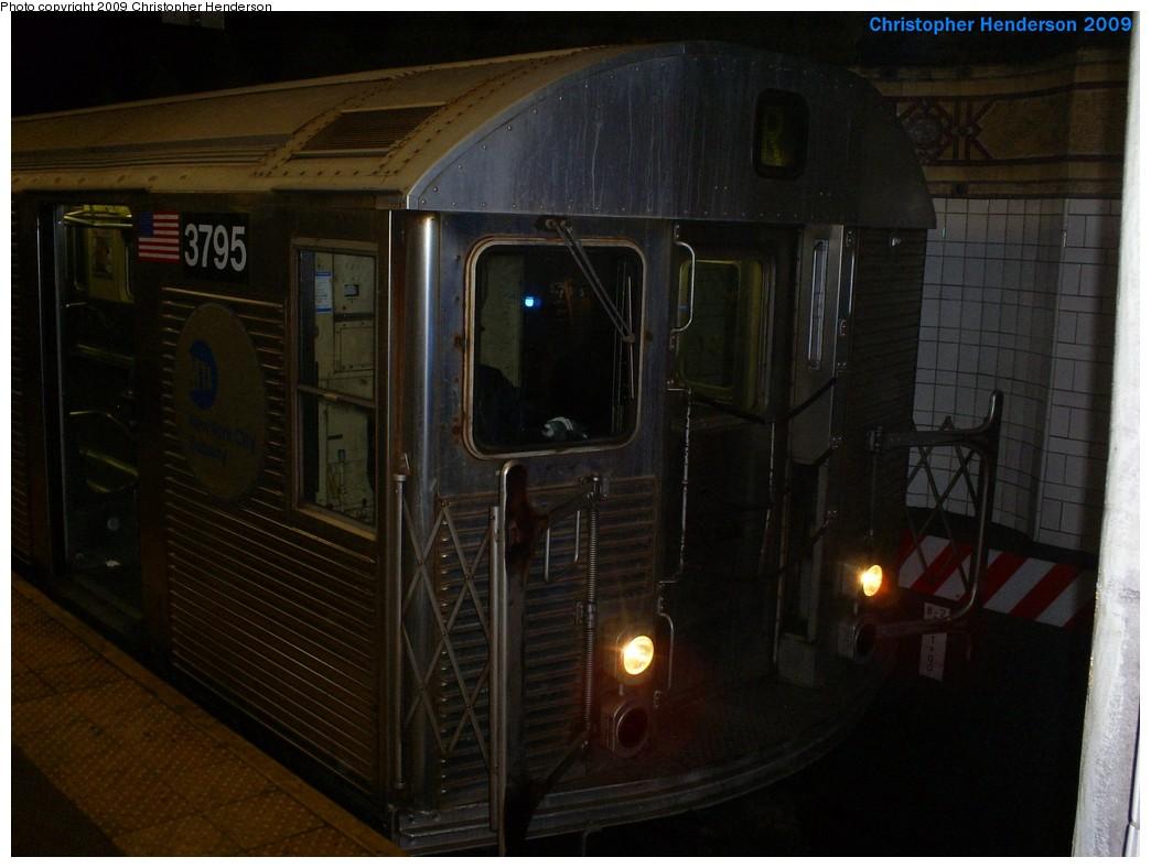 (161k, 1044x788)<br><b>Country:</b> United States<br><b>City:</b> New York<br><b>System:</b> New York City Transit<br><b>Location:</b> DeKalb Avenue<br><b>Route:</b> R<br><b>Car:</b> R-32 (Budd, 1964)  3795 <br><b>Photo by:</b> Christopher Henderson<br><b>Date:</b> 3/25/2009<br><b>Viewed (this week/total):</b> 0 / 1788