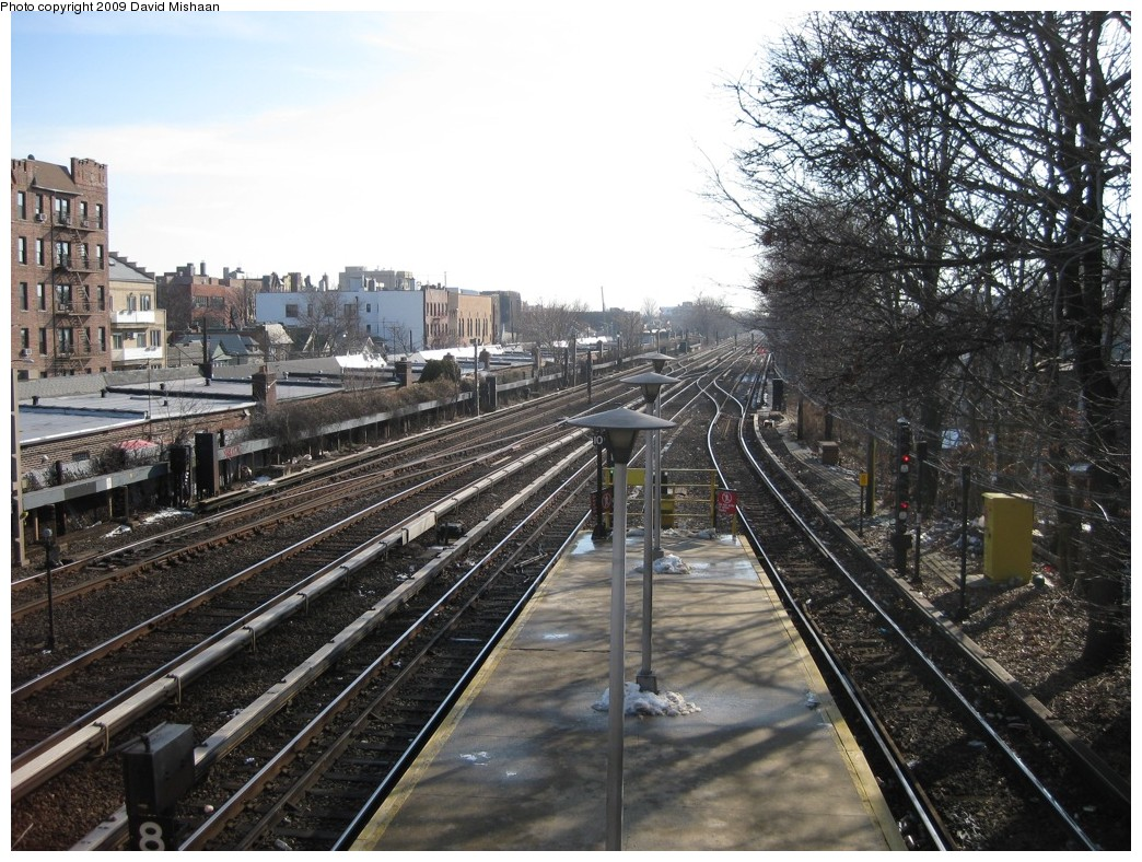 (271k, 1044x788)<br><b>Country:</b> United States<br><b>City:</b> New York<br><b>System:</b> New York City Transit<br><b>Line:</b> BMT Brighton Line<br><b>Location:</b> Kings Highway <br><b>Photo by:</b> David M. <br><b>Date:</b> 1/23/2009<br><b>Notes:</b> View looking south<br><b>Viewed (this week/total):</b> 3 / 1312