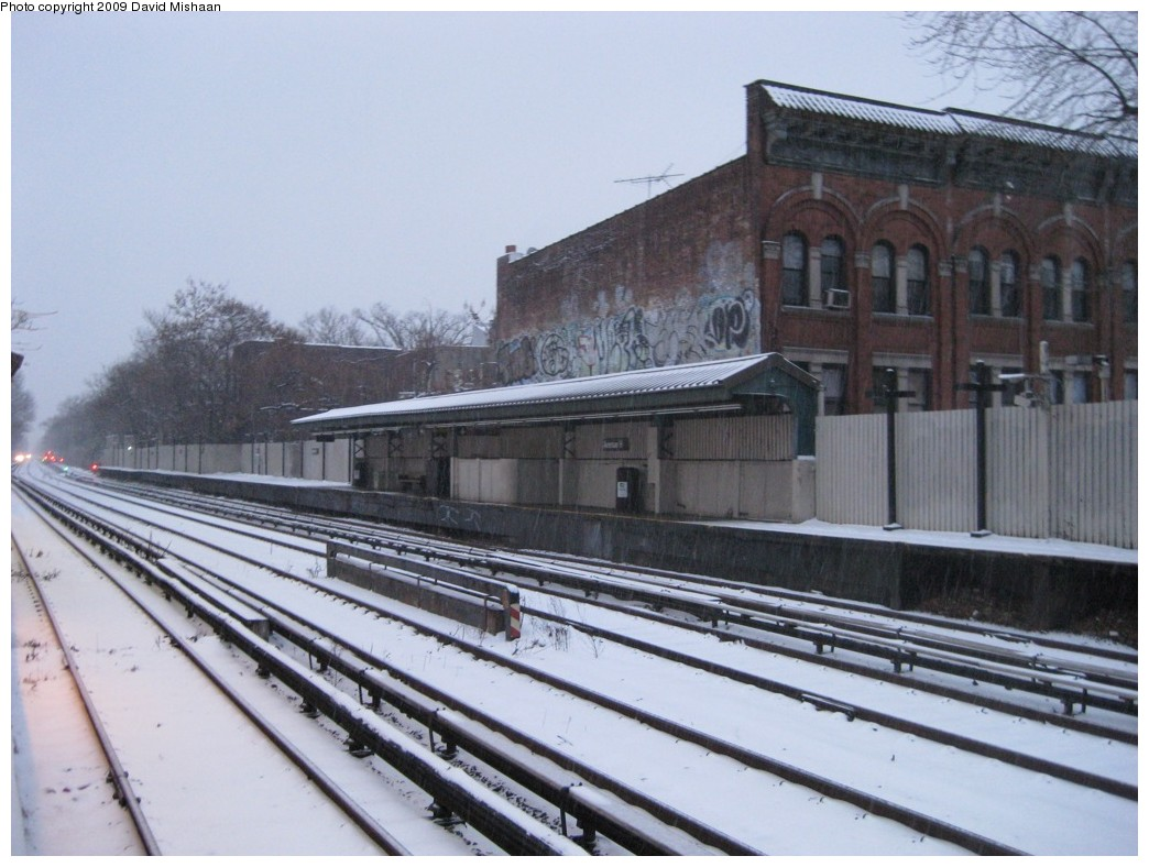 (187k, 1044x788)<br><b>Country:</b> United States<br><b>City:</b> New York<br><b>System:</b> New York City Transit<br><b>Line:</b> BMT Brighton Line<br><b>Location:</b> Avenue H <br><b>Photo by:</b> David M. <br><b>Date:</b> 1/28/2009<br><b>Notes:</b> View looking southwest<br><b>Viewed (this week/total):</b> 0 / 1530