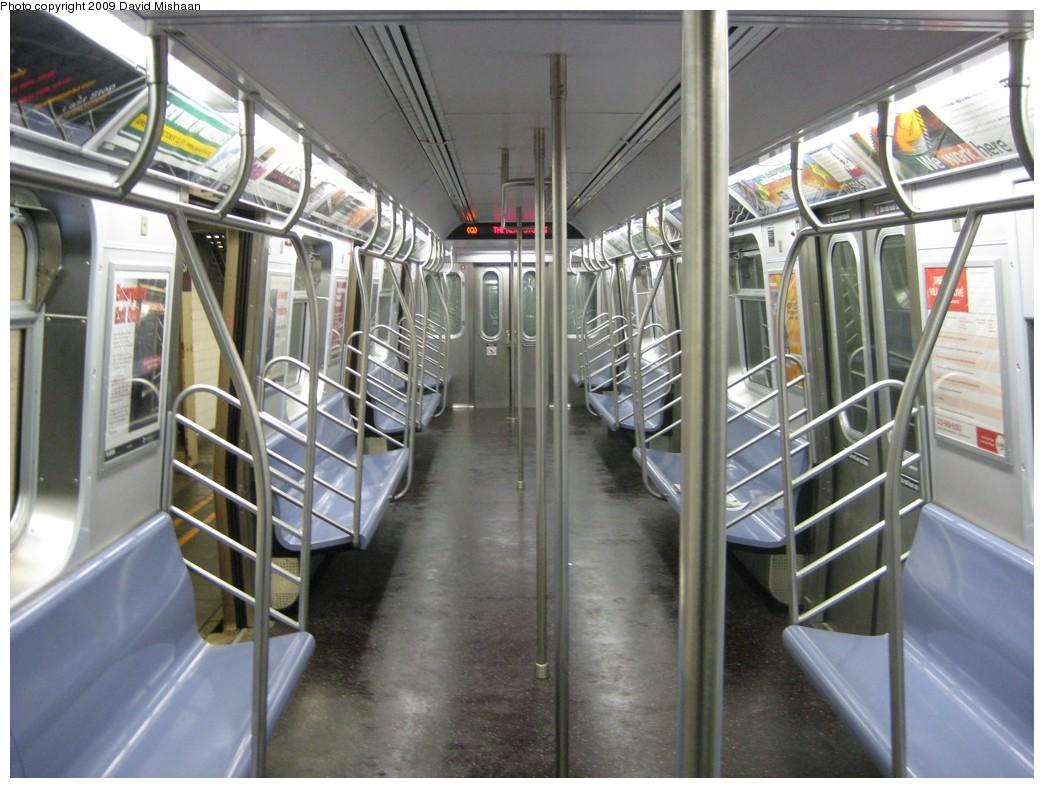 (203k, 1044x788)<br><b>Country:</b> United States<br><b>City:</b> New York<br><b>System:</b> New York City Transit<br><b>Route:</b> Q<br><b>Car:</b> R-160B (Kawasaki, 2005-2008)  Interior <br><b>Photo by:</b> David M. <br><b>Date:</b> 1/28/2009<br><b>Viewed (this week/total):</b> 3 / 1970