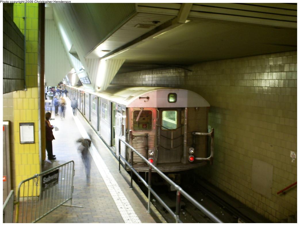 (222k, 1044x788)<br><b>Country:</b> United States<br><b>City:</b> New York<br><b>System:</b> New York City Transit<br><b>Line:</b> IND Queens Boulevard Line<br><b>Location:</b> Jamaica Center/Parsons-Archer <br><b>Route:</b> E<br><b>Car:</b> R-32 (Budd, 1964)  3469 <br><b>Photo by:</b> Christopher Henderson<br><b>Date:</b> 3/29/2009<br><b>Viewed (this week/total):</b> 2 / 2461