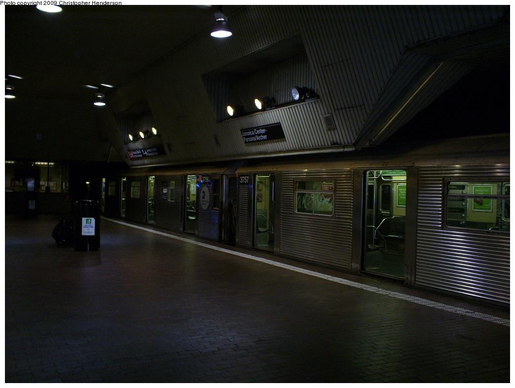 (215k, 1044x788)<br><b>Country:</b> United States<br><b>City:</b> New York<br><b>System:</b> New York City Transit<br><b>Line:</b> IND Queens Boulevard Line<br><b>Location:</b> Jamaica Center/Parsons-Archer <br><b>Route:</b> E<br><b>Car:</b> R-32 (Budd, 1964)  3757/3756 <br><b>Photo by:</b> Christopher Henderson<br><b>Date:</b> 3/29/2009<br><b>Viewed (this week/total):</b> 0 / 1911