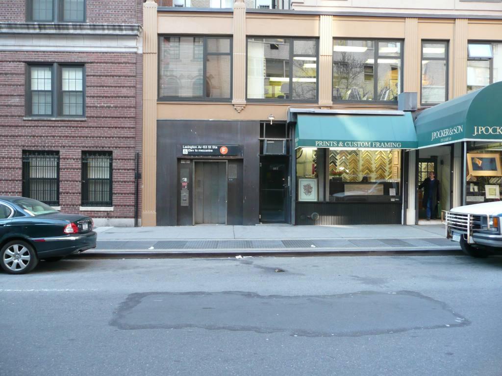 (138k, 1024x768)<br><b>Country:</b> United States<br><b>City:</b> New York<br><b>System:</b> New York City Transit<br><b>Line:</b> IND 63rd Street<br><b>Location:</b> Lexington Avenue-63rd Street <br><b>Photo by:</b> Robbie Rosenfeld<br><b>Date:</b> 3/25/2009<br><b>Notes:</b> Elevator entrance.<br><b>Viewed (this week/total):</b> 2 / 2431