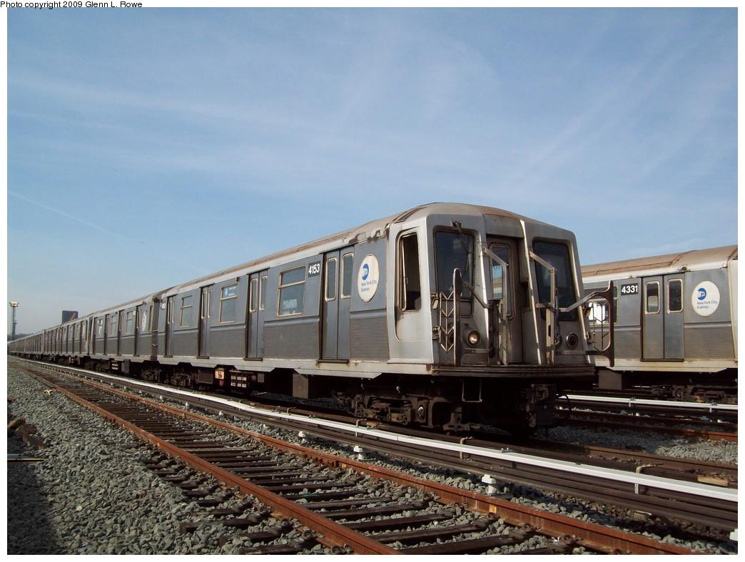 (220k, 1044x788)<br><b>Country:</b> United States<br><b>City:</b> New York<br><b>System:</b> New York City Transit<br><b>Location:</b> 207th Street Yard<br><b>Car:</b> R-40 (St. Louis, 1968)  4153 <br><b>Photo by:</b> Glenn L. Rowe<br><b>Date:</b> 3/27/2009<br><b>Viewed (this week/total):</b> 1 / 898