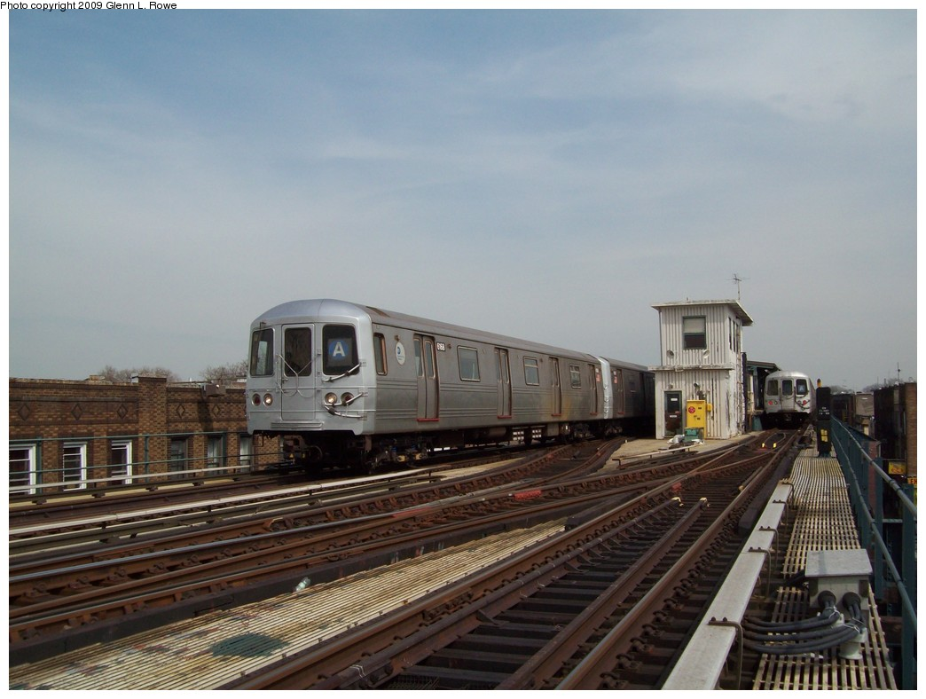 (188k, 1044x788)<br><b>Country:</b> United States<br><b>City:</b> New York<br><b>System:</b> New York City Transit<br><b>Line:</b> IND Fulton Street Line<br><b>Location:</b> Lefferts Boulevard <br><b>Route:</b> A<br><b>Car:</b> R-46 (Pullman-Standard, 1974-75) 6168 <br><b>Photo by:</b> Glenn L. Rowe<br><b>Date:</b> 3/27/2009<br><b>Viewed (this week/total):</b> 0 / 1258