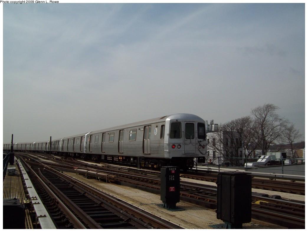 (167k, 1044x788)<br><b>Country:</b> United States<br><b>City:</b> New York<br><b>System:</b> New York City Transit<br><b>Line:</b> IND Fulton Street Line<br><b>Location:</b> Lefferts Boulevard <br><b>Route:</b> A<br><b>Car:</b> R-46 (Pullman-Standard, 1974-75) 6154 <br><b>Photo by:</b> Glenn L. Rowe<br><b>Date:</b> 3/27/2009<br><b>Viewed (this week/total):</b> 0 / 1074