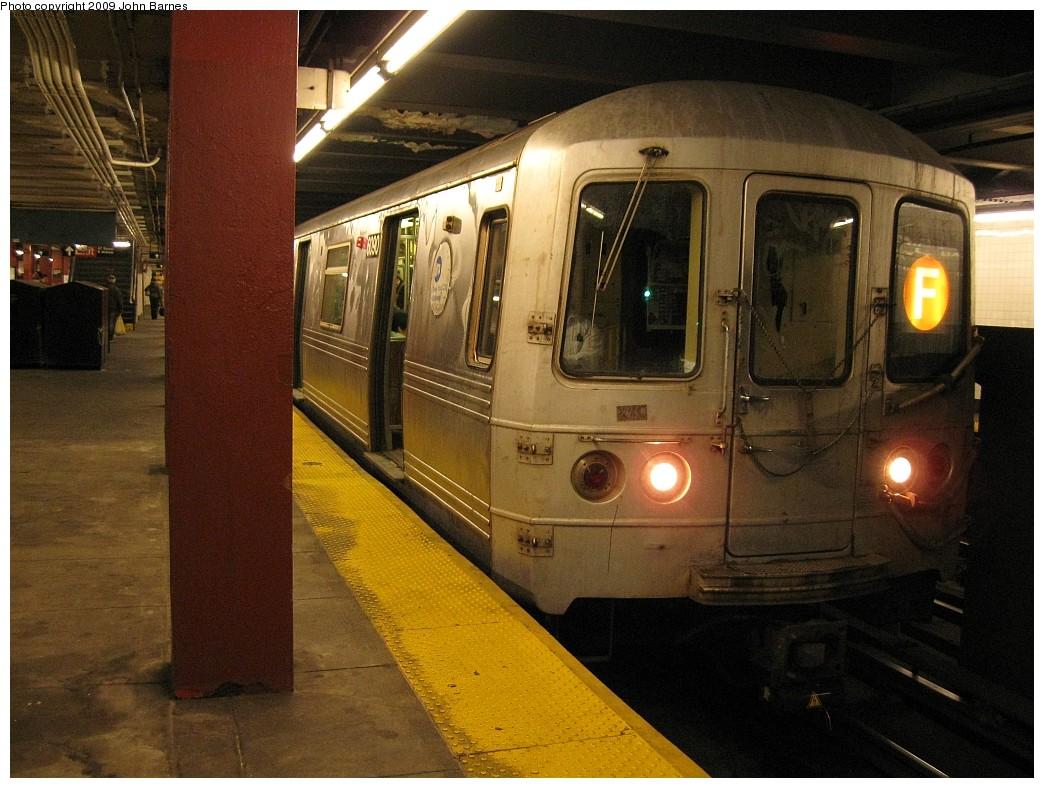 (229k, 1044x788)<br><b>Country:</b> United States<br><b>City:</b> New York<br><b>System:</b> New York City Transit<br><b>Line:</b> IND 6th Avenue Line<br><b>Location:</b> 47-50th Street/Rockefeller Center <br><b>Route:</b> F<br><b>Car:</b> R-46 (Pullman-Standard, 1974-75) 6090 <br><b>Photo by:</b> John Barnes<br><b>Date:</b> 3/26/2009<br><b>Viewed (this week/total):</b> 0 / 1728