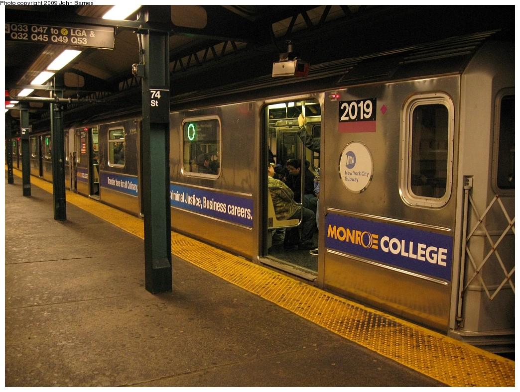 (260k, 1044x788)<br><b>Country:</b> United States<br><b>City:</b> New York<br><b>System:</b> New York City Transit<br><b>Line:</b> IRT Flushing Line<br><b>Location:</b> 74th Street/Broadway <br><b>Route:</b> 7<br><b>Car:</b> R-62A (Bombardier, 1984-1987)  2019 <br><b>Photo by:</b> John Barnes<br><b>Date:</b> 3/27/2009<br><b>Viewed (this week/total):</b> 1 / 1238