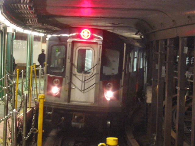 (60k, 640x480)<br><b>Country:</b> United States<br><b>City:</b> New York<br><b>System:</b> New York City Transit<br><b>Line:</b> IRT West Side Line<br><b>Location:</b> South Ferry (Outer Loop Station) <br><b>Route:</b> 5 reroute<br><b>Car:</b> R-142 (Primary Order, Bombardier, 1999-2002)  6721 <br><b>Photo by:</b> Oren H.<br><b>Date:</b> 10/9/2005<br><b>Notes:</b> GO which had southbound 5 trains using South Ferry loop in revenue service to access the northbound 7th Avenue Line to replace 2 service on the West Side.<br><b>Viewed (this week/total):</b> 2 / 2310