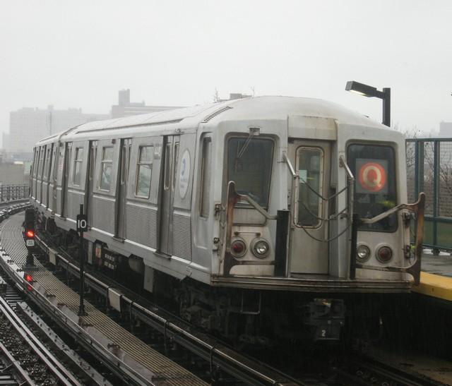 (76k, 640x547)<br><b>Country:</b> United States<br><b>City:</b> New York<br><b>System:</b> New York City Transit<br><b>Line:</b> BMT Brighton Line<br><b>Location:</b> West 8th Street <br><b>Route:</b> B<br><b>Car:</b> R-40 (St. Louis, 1968)  4448 <br><b>Photo by:</b> Oren H.<br><b>Date:</b> 12/16/2007<br><b>Viewed (this week/total):</b> 0 / 1242