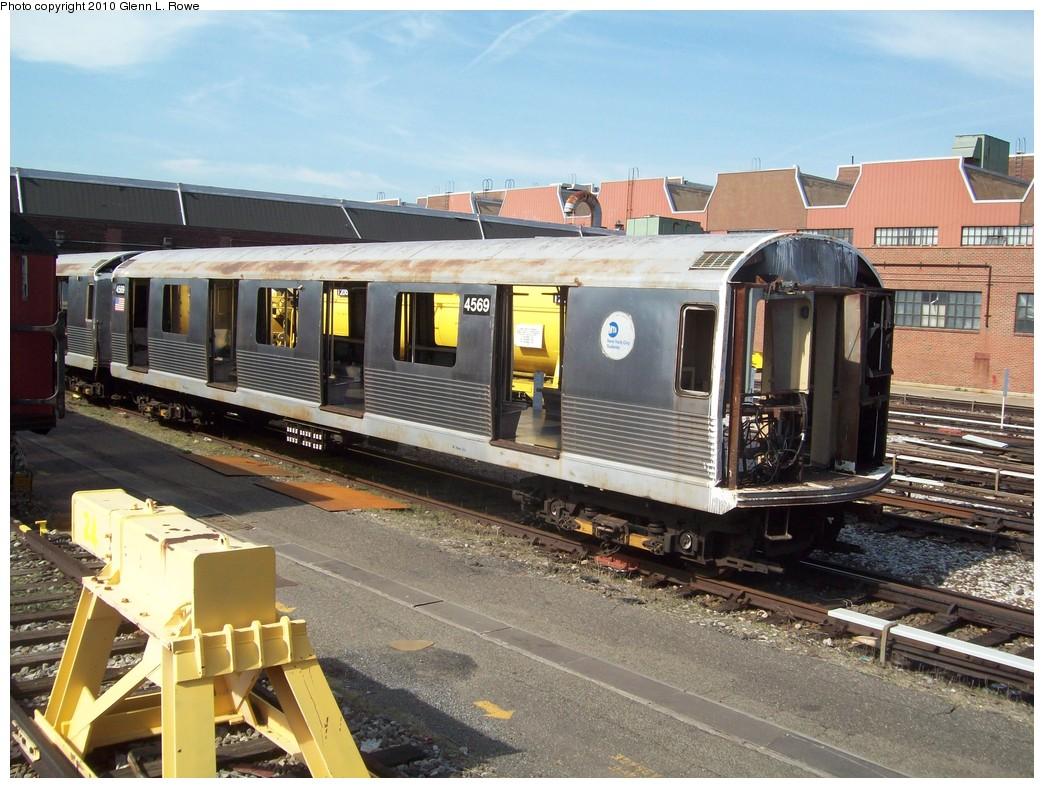 (249k, 1044x788)<br><b>Country:</b> United States<br><b>City:</b> New York<br><b>System:</b> New York City Transit<br><b>Location:</b> 207th Street Yard<br><b>Car:</b> R-42 (St. Louis, 1969-1970)  4569 <br><b>Photo by:</b> Glenn L. Rowe<br><b>Date:</b> 4/7/2010<br><b>Viewed (this week/total):</b> 0 / 1014