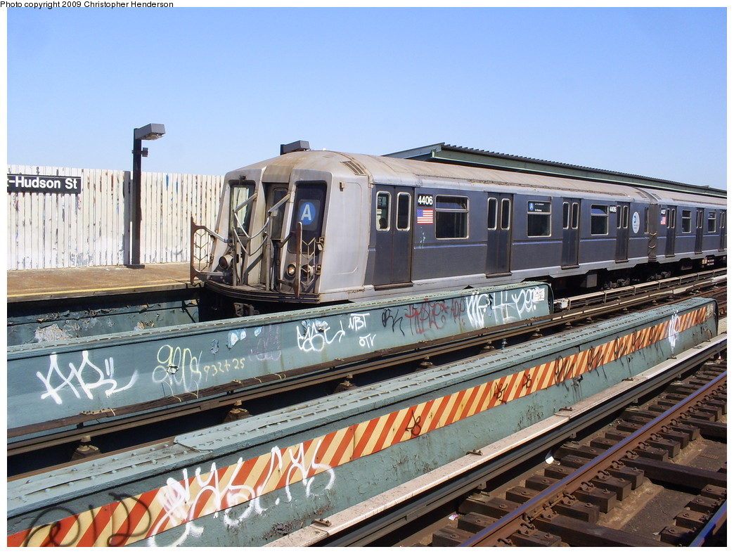 (297k, 1044x788)<br><b>Country:</b> United States<br><b>City:</b> New York<br><b>System:</b> New York City Transit<br><b>Line:</b> IND Fulton Street Line<br><b>Location:</b> 80th Street/Hudson Street <br><b>Route:</b> A<br><b>Car:</b> R-40 (St. Louis, 1968)  4406 <br><b>Photo by:</b> Christopher Henderson<br><b>Date:</b> 3/30/2009<br><b>Viewed (this week/total):</b> 4 / 905