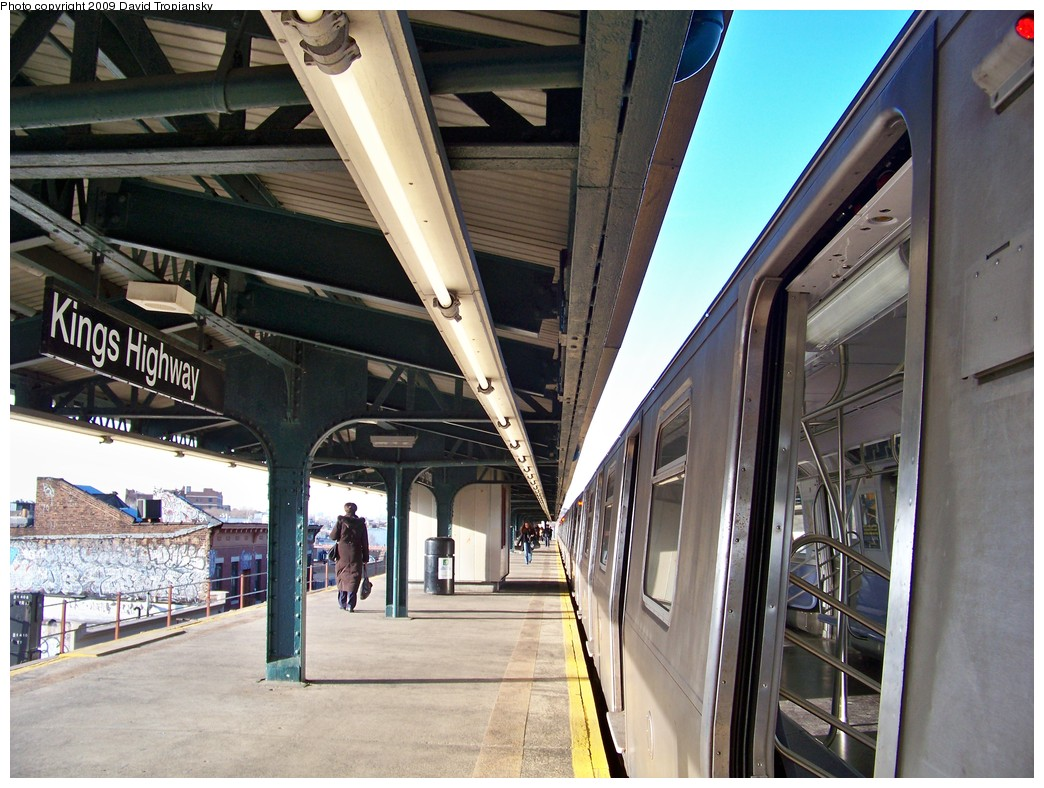 (248k, 1044x788)<br><b>Country:</b> United States<br><b>City:</b> New York<br><b>System:</b> New York City Transit<br><b>Line:</b> BMT Culver Line<br><b>Location:</b> Kings Highway <br><b>Route:</b> F<br><b>Car:</b> R-160A (Option 1) (Alstom, 2008-2009, 5 car sets)  9240 <br><b>Photo by:</b> David Tropiansky<br><b>Date:</b> 3/25/2009<br><b>Viewed (this week/total):</b> 1 / 1451