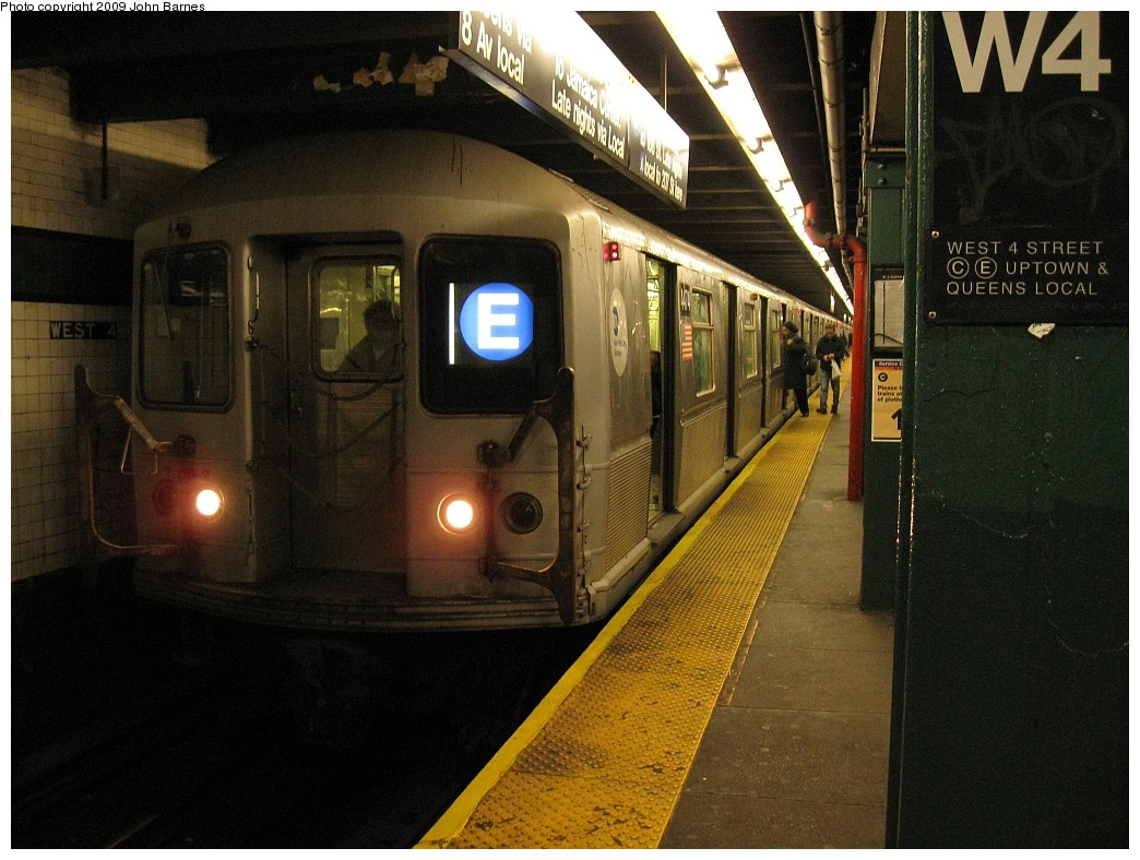 (228k, 1044x788)<br><b>Country:</b> United States<br><b>City:</b> New York<br><b>System:</b> New York City Transit<br><b>Line:</b> IND 8th Avenue Line<br><b>Location:</b> West 4th Street/Washington Square <br><b>Route:</b> E<br><b>Car:</b> R-40M (St. Louis, 1969)  4474 <br><b>Photo by:</b> John Barnes<br><b>Date:</b> 3/31/2009<br><b>Viewed (this week/total):</b> 2 / 1492