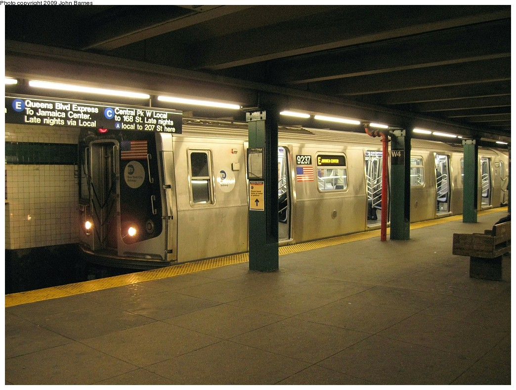 (240k, 1044x788)<br><b>Country:</b> United States<br><b>City:</b> New York<br><b>System:</b> New York City Transit<br><b>Line:</b> IND 8th Avenue Line<br><b>Location:</b> West 4th Street/Washington Square <br><b>Route:</b> E<br><b>Car:</b> R-160A (Option 1) (Alstom, 2008-2009, 5 car sets)  9237 <br><b>Photo by:</b> John Barnes<br><b>Date:</b> 3/31/2009<br><b>Viewed (this week/total):</b> 1 / 1682