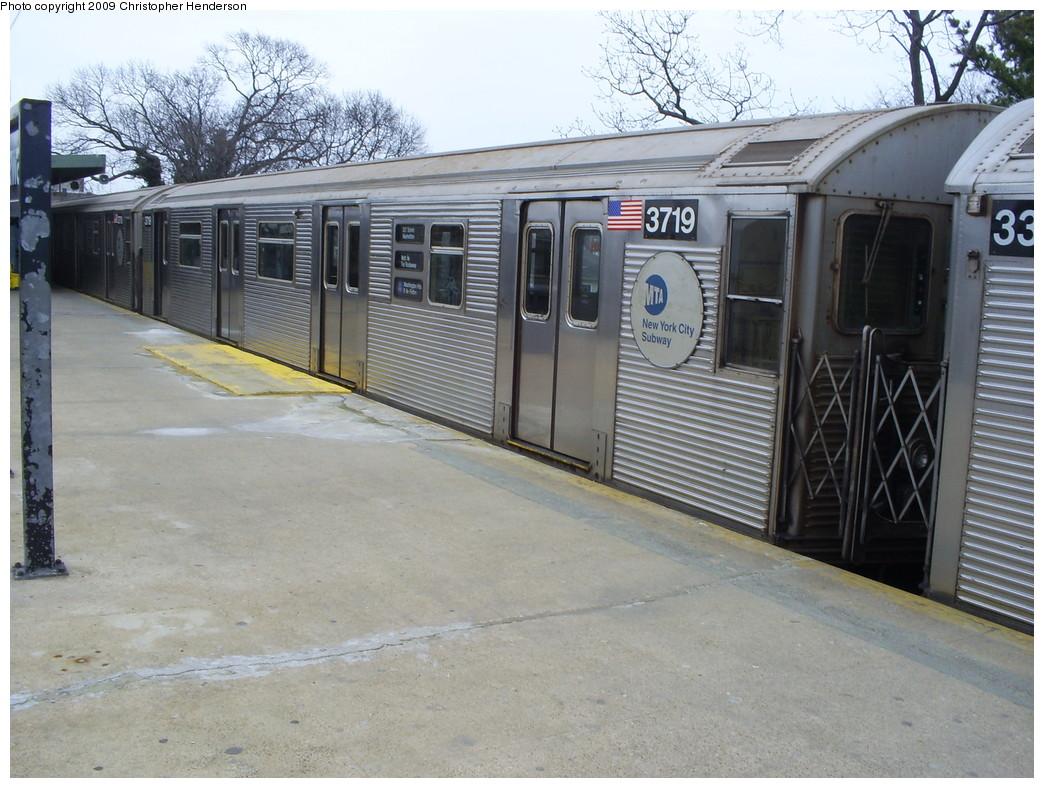 (275k, 1044x788)<br><b>Country:</b> United States<br><b>City:</b> New York<br><b>System:</b> New York City Transit<br><b>Line:</b> IND Rockaway<br><b>Location:</b> Mott Avenue/Far Rockaway <br><b>Route:</b> A<br><b>Car:</b> R-32 (Budd, 1964)  3719 <br><b>Photo by:</b> Christopher Henderson<br><b>Date:</b> 4/1/2009<br><b>Viewed (this week/total):</b> 3 / 1253