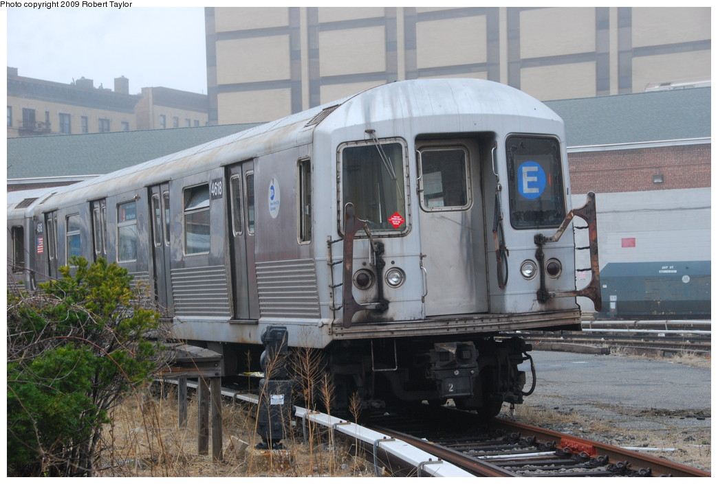 (260k, 1044x705)<br><b>Country:</b> United States<br><b>City:</b> New York<br><b>System:</b> New York City Transit<br><b>Location:</b> 207th Street Yard<br><b>Car:</b> R-42 (St. Louis, 1969-1970)  4618 <br><b>Photo by:</b> Robert Taylor<br><b>Date:</b> 3/29/2009<br><b>Viewed (this week/total):</b> 1 / 1289