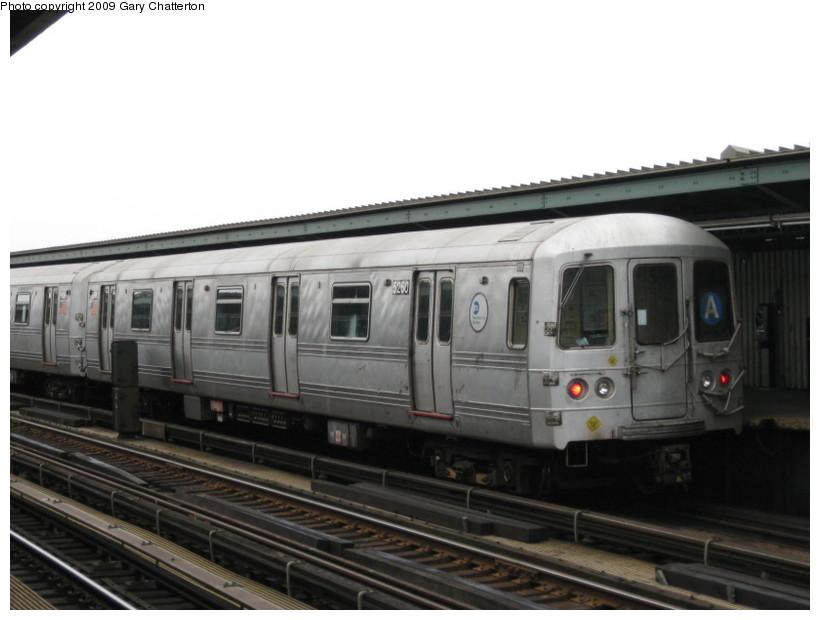 (97k, 820x620)<br><b>Country:</b> United States<br><b>City:</b> New York<br><b>System:</b> New York City Transit<br><b>Line:</b> IND Fulton Street Line<br><b>Location:</b> Rockaway Boulevard <br><b>Route:</b> A<br><b>Car:</b> R-44 (St. Louis, 1971-73) 5260 <br><b>Photo by:</b> Gary Chatterton<br><b>Date:</b> 4/1/2009<br><b>Viewed (this week/total):</b> 0 / 847