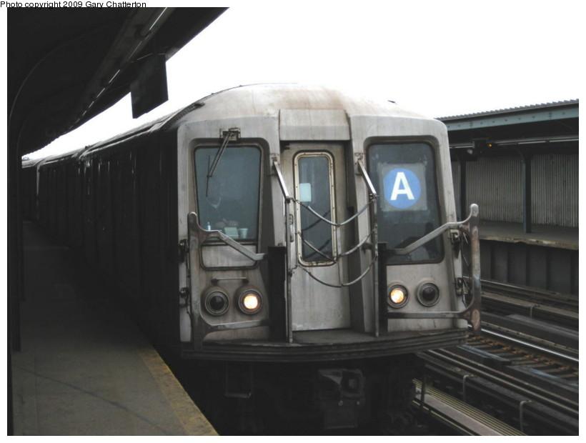 (86k, 820x620)<br><b>Country:</b> United States<br><b>City:</b> New York<br><b>System:</b> New York City Transit<br><b>Line:</b> IND Fulton Street Line<br><b>Location:</b> Rockaway Boulevard <br><b>Route:</b> A<br><b>Car:</b> R-40 (St. Louis, 1968)  4356 <br><b>Photo by:</b> Gary Chatterton<br><b>Date:</b> 4/1/2009<br><b>Viewed (this week/total):</b> 1 / 813