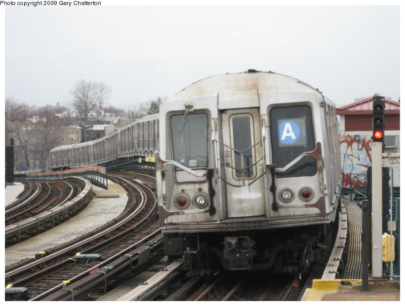 (117k, 820x620)<br><b>Country:</b> United States<br><b>City:</b> New York<br><b>System:</b> New York City Transit<br><b>Line:</b> IND Fulton Street Line<br><b>Location:</b> 80th Street/Hudson Street <br><b>Route:</b> A<br><b>Car:</b> R-40 (St. Louis, 1968)  4272 <br><b>Photo by:</b> Gary Chatterton<br><b>Date:</b> 4/1/2009<br><b>Viewed (this week/total):</b> 1 / 1021