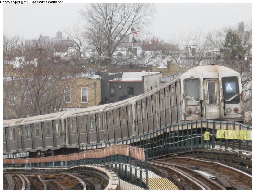 (159k, 820x620)<br><b>Country:</b> United States<br><b>City:</b> New York<br><b>System:</b> New York City Transit<br><b>Line:</b> IND Fulton Street Line<br><b>Location:</b> 80th Street/Hudson Street <br><b>Route:</b> A<br><b>Car:</b> R-40 (St. Louis, 1968)  4272 <br><b>Photo by:</b> Gary Chatterton<br><b>Date:</b> 4/1/2009<br><b>Viewed (this week/total):</b> 1 / 992