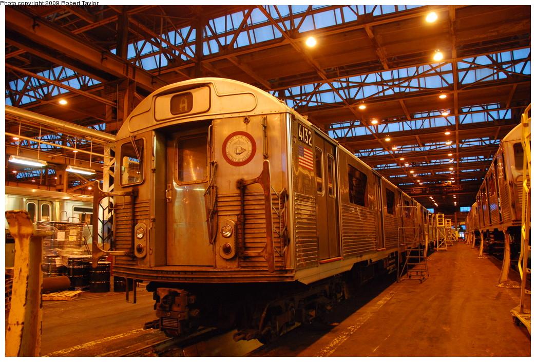 (351k, 1044x705)<br><b>Country:</b> United States<br><b>City:</b> New York<br><b>System:</b> New York City Transit<br><b>Location:</b> 207th Street Shop<br><b>Car:</b> R-38 (St. Louis, 1966-1967)  4132 <br><b>Photo by:</b> Robert Taylor<br><b>Date:</b> 3/29/2009<br><b>Notes:</b> Scrap<br><b>Viewed (this week/total):</b> 2 / 679