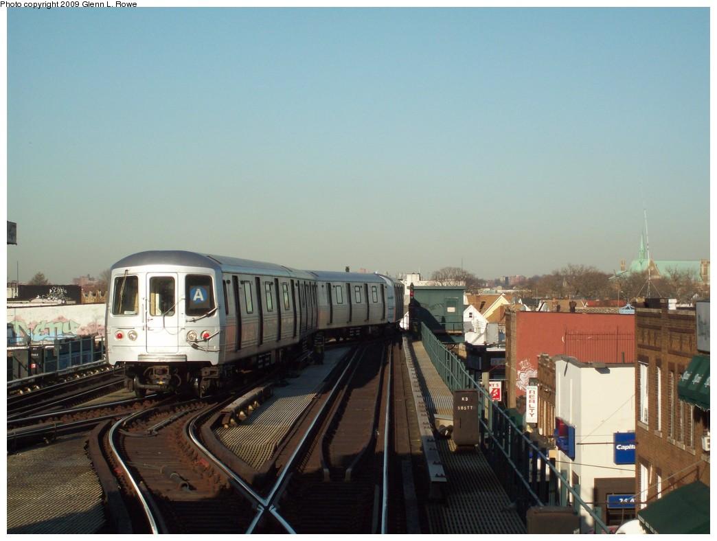 (177k, 1044x788)<br><b>Country:</b> United States<br><b>City:</b> New York<br><b>System:</b> New York City Transit<br><b>Line:</b> IND Fulton Street Line<br><b>Location:</b> Lefferts Boulevard <br><b>Route:</b> A<br><b>Car:</b> R-46 (Pullman-Standard, 1974-75) 6204 <br><b>Photo by:</b> Glenn L. Rowe<br><b>Date:</b> 3/31/2009<br><b>Viewed (this week/total):</b> 0 / 1350