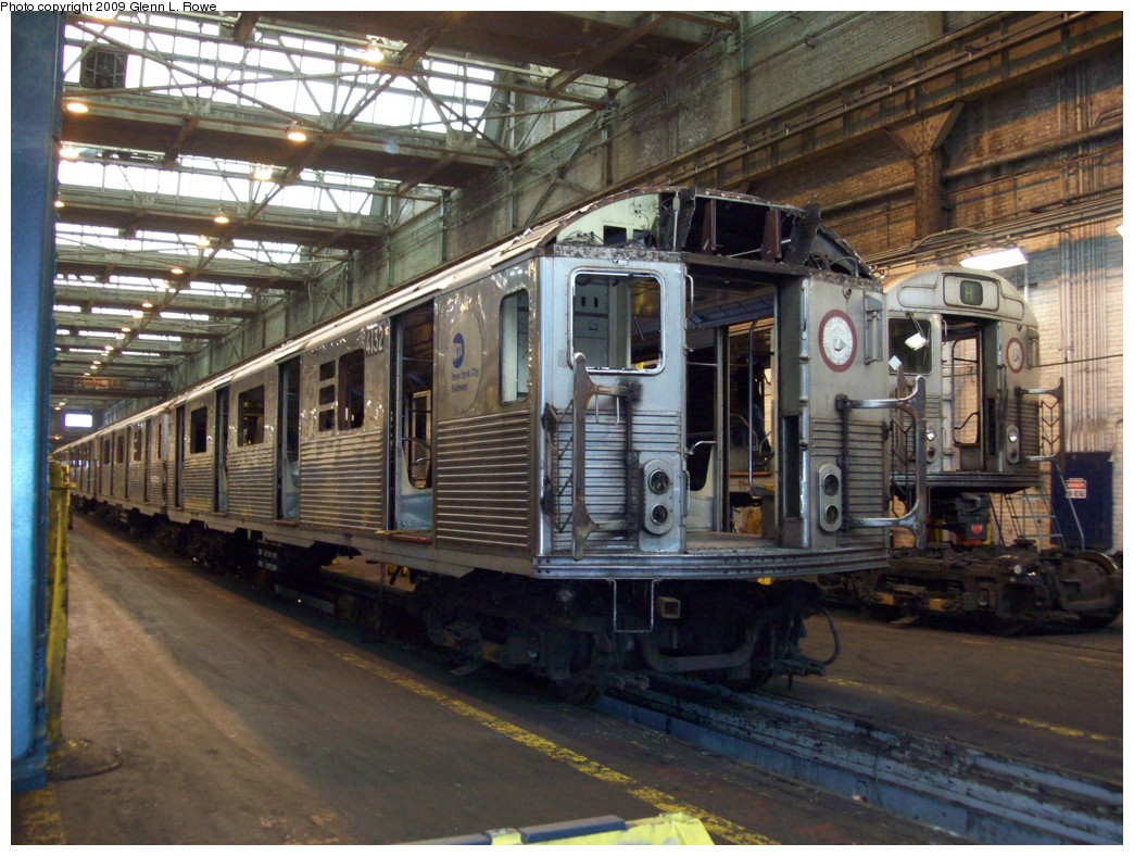 (247k, 1044x788)<br><b>Country:</b> United States<br><b>City:</b> New York<br><b>System:</b> New York City Transit<br><b>Location:</b> 207th Street Shop<br><b>Car:</b> R-38 (St. Louis, 1966-1967)  4132 <br><b>Photo by:</b> Glenn L. Rowe<br><b>Date:</b> 4/1/2009<br><b>Notes:</b> Scrap<br><b>Viewed (this week/total):</b> 0 / 867