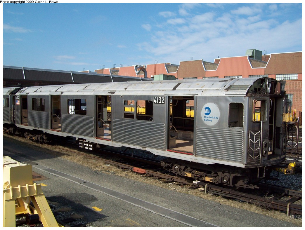 (240k, 1044x788)<br><b>Country:</b> United States<br><b>City:</b> New York<br><b>System:</b> New York City Transit<br><b>Location:</b> 207th Street Yard<br><b>Car:</b> R-38 (St. Louis, 1966-1967)  4132 <br><b>Photo by:</b> Glenn L. Rowe<br><b>Date:</b> 4/2/2009<br><b>Notes:</b> Scrap<br><b>Viewed (this week/total):</b> 0 / 835