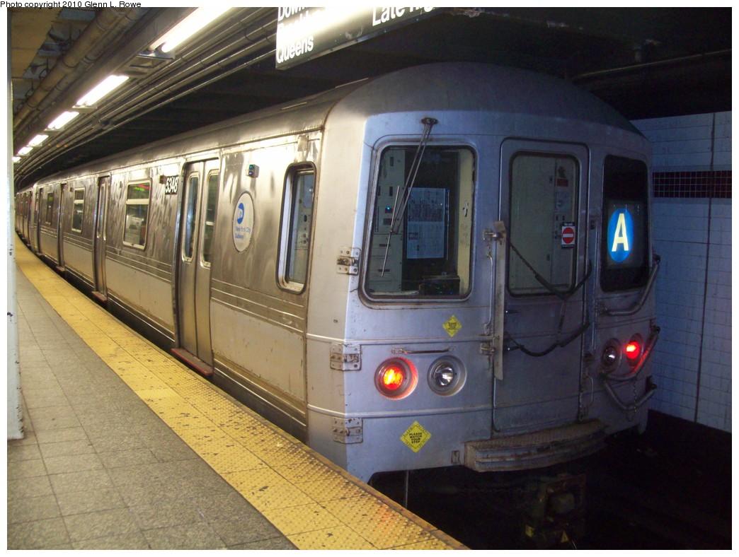 (213k, 1044x788)<br><b>Country:</b> United States<br><b>City:</b> New York<br><b>System:</b> New York City Transit<br><b>Line:</b> IND 8th Avenue Line<br><b>Location:</b> 207th Street <br><b>Route:</b> A<br><b>Car:</b> R-44 (St. Louis, 1971-73) 5348 <br><b>Photo by:</b> Glenn L. Rowe<br><b>Date:</b> 4/8/2010<br><b>Viewed (this week/total):</b> 0 / 905