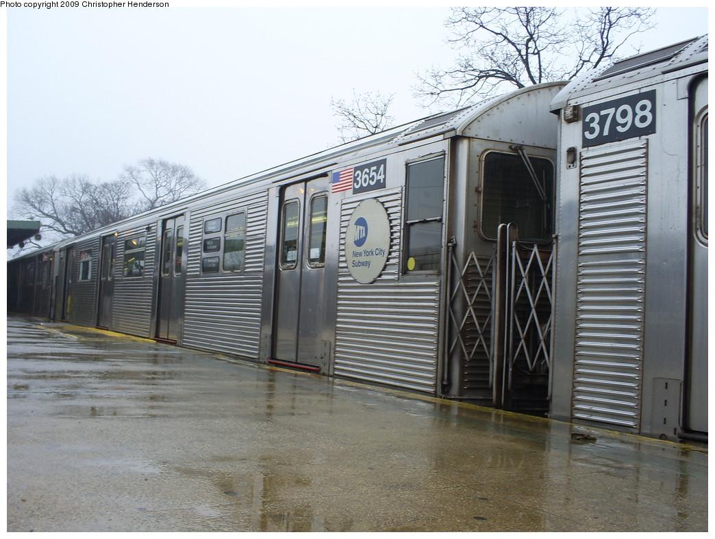 (272k, 1044x788)<br><b>Country:</b> United States<br><b>City:</b> New York<br><b>System:</b> New York City Transit<br><b>Line:</b> IND Rockaway<br><b>Location:</b> Mott Avenue/Far Rockaway <br><b>Route:</b> A<br><b>Car:</b> R-32 (Budd, 1964)  3654 <br><b>Photo by:</b> Christopher Henderson<br><b>Date:</b> 4/3/2009<br><b>Viewed (this week/total):</b> 1 / 1064