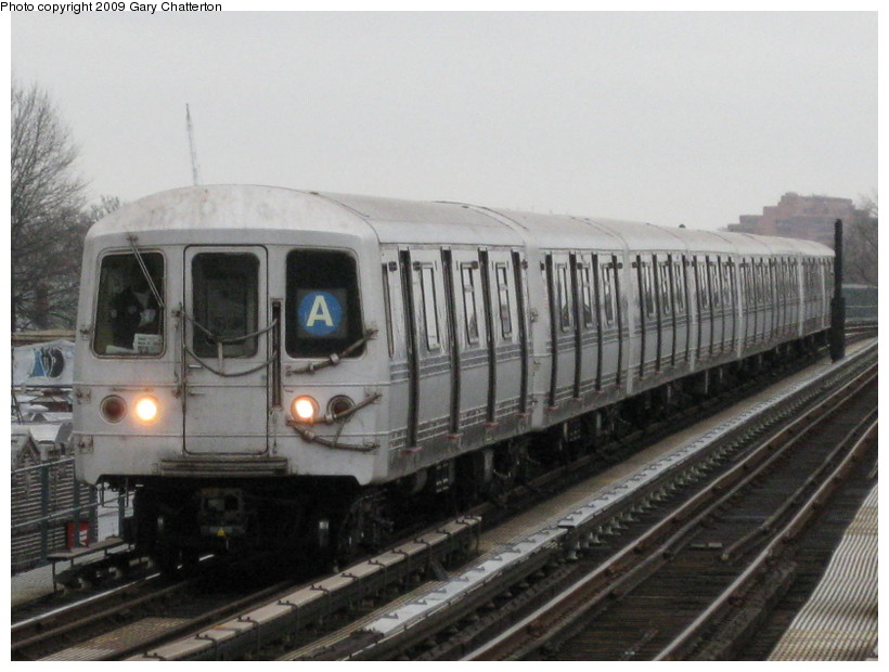 (125k, 820x620)<br><b>Country:</b> United States<br><b>City:</b> New York<br><b>System:</b> New York City Transit<br><b>Line:</b> IND Fulton Street Line<br><b>Location:</b> 104th Street/Oxford Ave. <br><b>Route:</b> A<br><b>Car:</b> R-44 (St. Louis, 1971-73) 5318 <br><b>Photo by:</b> Gary Chatterton<br><b>Date:</b> 4/1/2009<br><b>Viewed (this week/total):</b> 0 / 1141