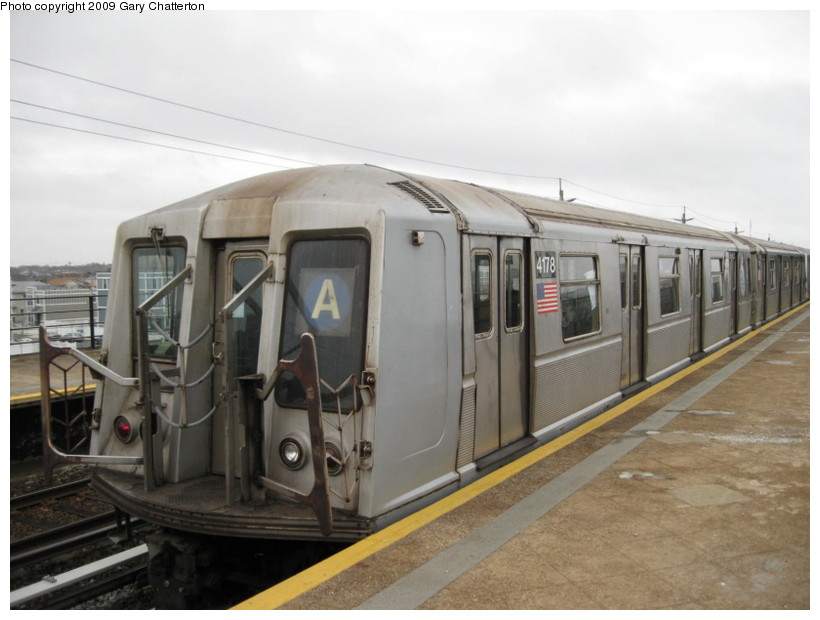(109k, 820x620)<br><b>Country:</b> United States<br><b>City:</b> New York<br><b>System:</b> New York City Transit<br><b>Line:</b> IND Rockaway<br><b>Location:</b> Beach 44th Street/Frank Avenue <br><b>Route:</b> A<br><b>Car:</b> R-40 (St. Louis, 1968)  4178 <br><b>Photo by:</b> Gary Chatterton<br><b>Date:</b> 4/1/2009<br><b>Viewed (this week/total):</b> 0 / 1016
