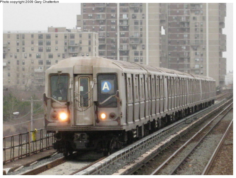 (132k, 820x620)<br><b>Country:</b> United States<br><b>City:</b> New York<br><b>System:</b> New York City Transit<br><b>Line:</b> IND Rockaway<br><b>Location:</b> Beach 44th Street/Frank Avenue <br><b>Route:</b> A<br><b>Car:</b> R-40 (St. Louis, 1968)  4262 <br><b>Photo by:</b> Gary Chatterton<br><b>Date:</b> 4/1/2009<br><b>Viewed (this week/total):</b> 0 / 1145