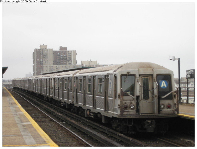 (91k, 820x620)<br><b>Country:</b> United States<br><b>City:</b> New York<br><b>System:</b> New York City Transit<br><b>Line:</b> IND Rockaway<br><b>Location:</b> Beach 67th Street/Gaston Avenue <br><b>Route:</b> A<br><b>Car:</b> R-40 (St. Louis, 1968)  4414 <br><b>Photo by:</b> Gary Chatterton<br><b>Date:</b> 4/1/2009<br><b>Viewed (this week/total):</b> 0 / 894