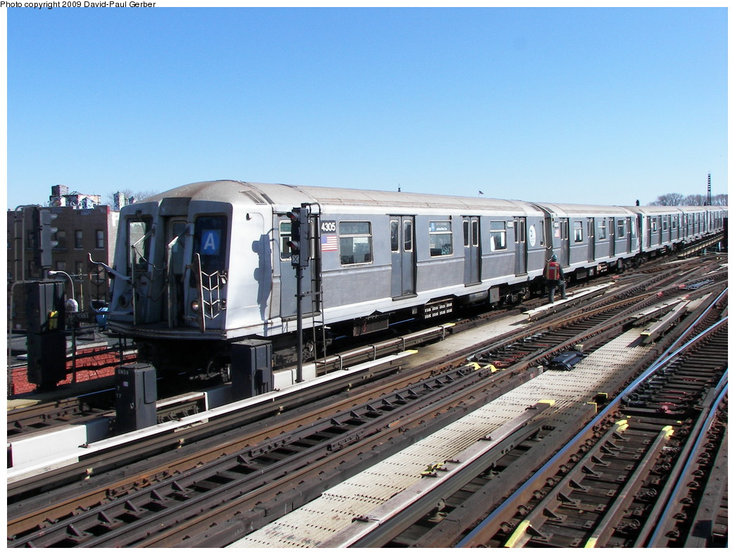 (300k, 1044x788)<br><b>Country:</b> United States<br><b>City:</b> New York<br><b>System:</b> New York City Transit<br><b>Line:</b> IND Fulton Street Line<br><b>Location:</b> Rockaway Boulevard <br><b>Route:</b> A<br><b>Car:</b> R-40 (St. Louis, 1968)  4305 <br><b>Photo by:</b> David-Paul Gerber<br><b>Date:</b> 3/21/2009<br><b>Viewed (this week/total):</b> 0 / 863