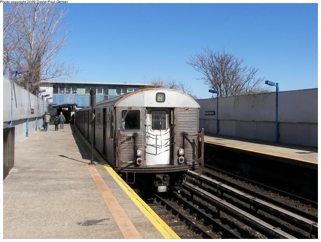 (287k, 1044x788)<br><b>Country:</b> United States<br><b>City:</b> New York<br><b>System:</b> New York City Transit<br><b>Line:</b> IND Rockaway<br><b>Location:</b> Broad Channel <br><b>Route:</b> A<br><b>Car:</b> R-32 (Budd, 1964)   <br><b>Photo by:</b> David-Paul Gerber<br><b>Date:</b> 3/21/2009<br><b>Viewed (this week/total):</b> 1 / 1268