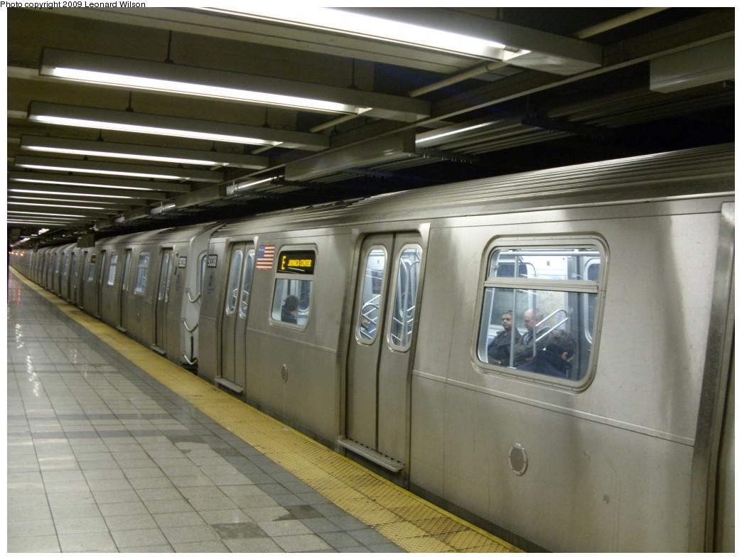 (225k, 1044x788)<br><b>Country:</b> United States<br><b>City:</b> New York<br><b>System:</b> New York City Transit<br><b>Line:</b> IND 8th Avenue Line<br><b>Location:</b> Canal Street-Holland Tunnel <br><b>Route:</b> E<br><b>Car:</b> R-160A (Option 1) (Alstom, 2008-2009, 5 car sets)  9338 <br><b>Photo by:</b> Leonard Wilson<br><b>Date:</b> 3/30/2009<br><b>Viewed (this week/total):</b> 0 / 1887