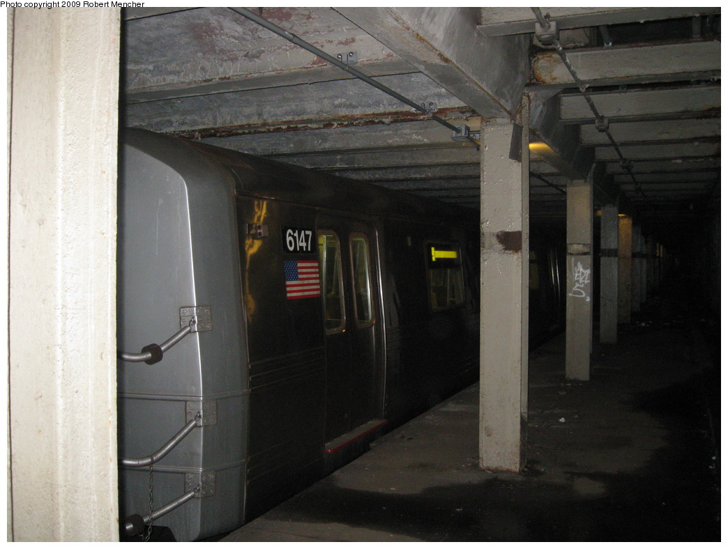 (186k, 1044x788)<br><b>Country:</b> United States<br><b>City:</b> New York<br><b>System:</b> New York City Transit<br><b>Line:</b> IND Crosstown Line<br><b>Location:</b> Bergen Street-Lower Level<br><b>Route:</b> A<br><b>Car:</b> R-46 (Pullman-Standard, 1974-75) 6147 <br><b>Photo by:</b> Robert Mencher<br><b>Date:</b> 4/4/2009<br><b>Notes:</b> Short turn A turnback due to G.O.<br><b>Viewed (this week/total):</b> 3 / 1933