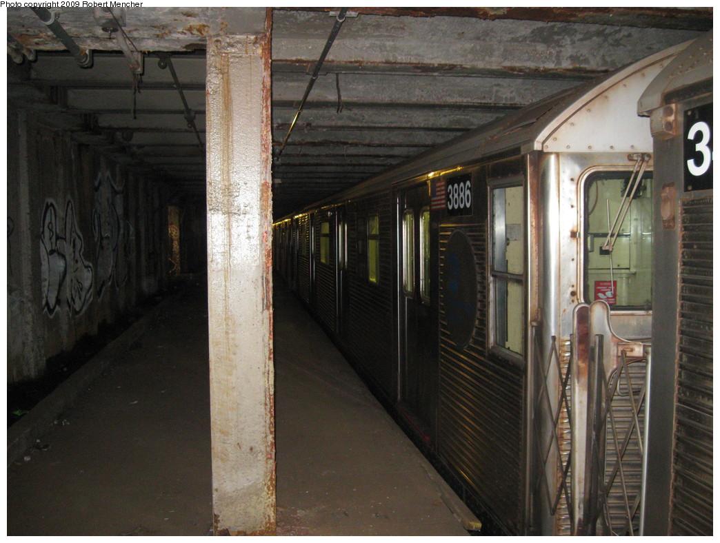 (226k, 1044x788)<br><b>Country:</b> United States<br><b>City:</b> New York<br><b>System:</b> New York City Transit<br><b>Line:</b> IND Crosstown Line<br><b>Location:</b> Bergen Street-Lower Level<br><b>Route:</b> A<br><b>Car:</b> R-32 (Budd, 1964)  3886 <br><b>Photo by:</b> Robert Mencher<br><b>Date:</b> 4/4/2009<br><b>Notes:</b> Short turn A turnback due to G.O.<br><b>Viewed (this week/total):</b> 1 / 2384