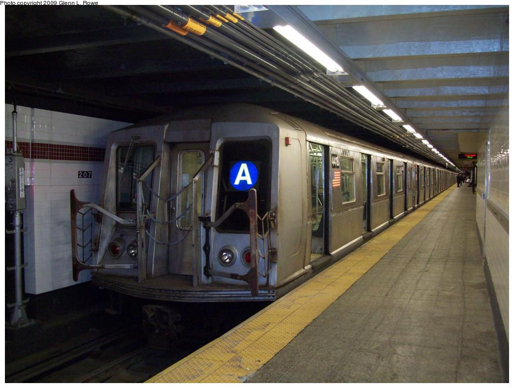 (204k, 1044x788)<br><b>Country:</b> United States<br><b>City:</b> New York<br><b>System:</b> New York City Transit<br><b>Line:</b> IND 8th Avenue Line<br><b>Location:</b> 207th Street <br><b>Route:</b> A<br><b>Car:</b> R-40 (St. Louis, 1968)  4418 <br><b>Photo by:</b> Glenn L. Rowe<br><b>Date:</b> 4/7/2009<br><b>Viewed (this week/total):</b> 0 / 872