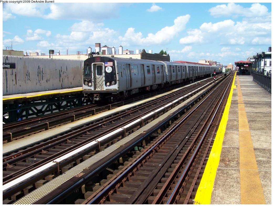 (287k, 1044x788)<br><b>Country:</b> United States<br><b>City:</b> New York<br><b>System:</b> New York City Transit<br><b>Line:</b> BMT Astoria Line<br><b>Location:</b> Broadway <br><b>Route:</b> N<br><b>Car:</b> R-160B (Kawasaki, 2005-2008)  8728 <br><b>Photo by:</b> DeAndre Burrell<br><b>Date:</b> 8/11/2008<br><b>Viewed (this week/total):</b> 1 / 1369