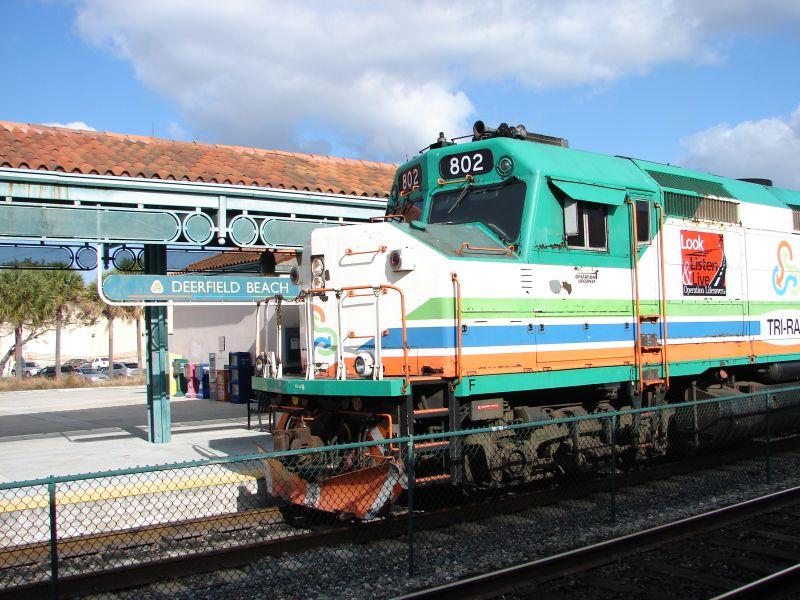 (105k, 800x600)<br><b>Country:</b> United States<br><b>City:</b> Miami, FL<br><b>System:</b> Miami Tri-Rail<br><b>Location:</b> Deerfield Beach (Amtrak) <br><b>Photo by:</b> Bob Vogel<br><b>Date:</b> 3/5/2009<br><b>Notes:</b> F40PH-2C TRCX 802 Operation Lifesaver engine; southbound<br><b>Viewed (this week/total):</b> 0 / 1054